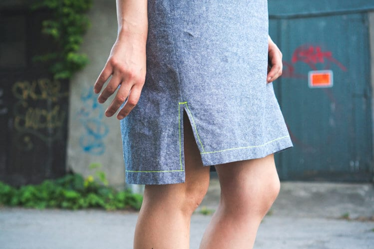 Neon topstitching using triple stitch // Named Inari Tee dress in linen // Closet Case Files