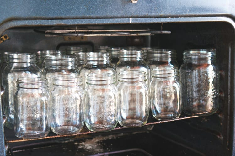 Tutorial a guide to canning tomatoes closet case files for How long to sterilize canning jars