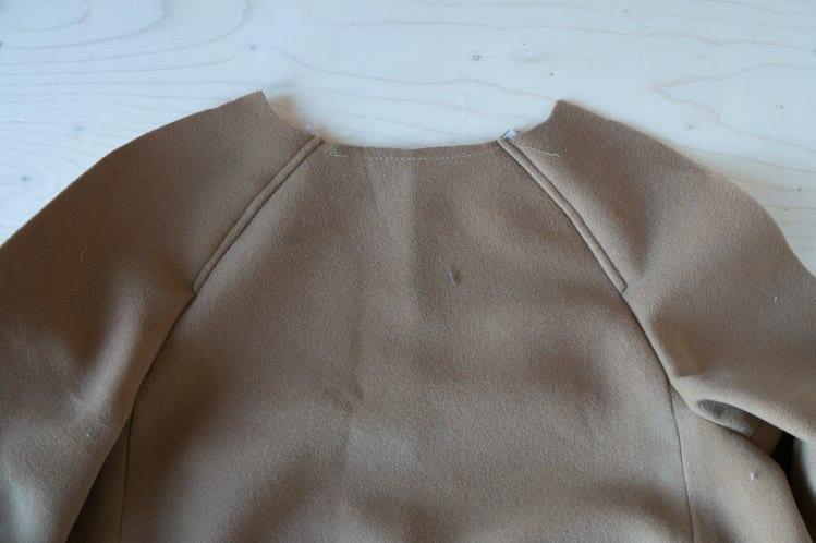 Clare Sewalong_Topstitching raglan sleeve-2