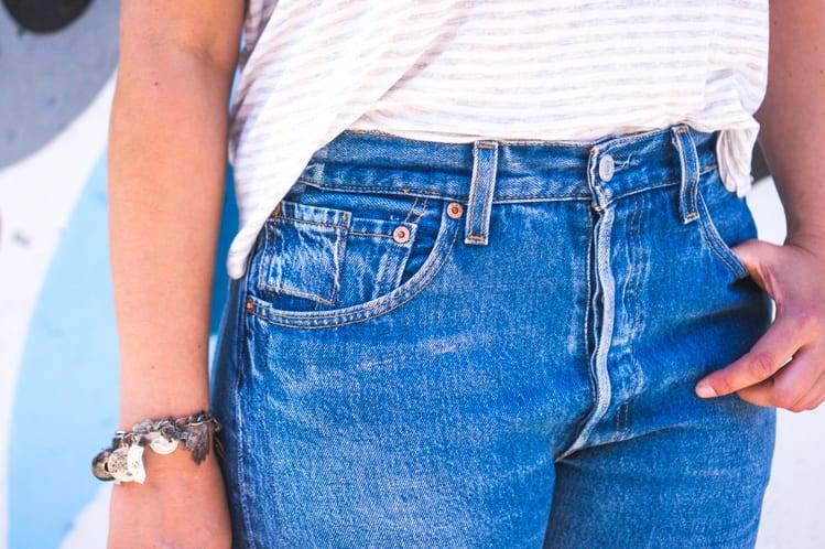 Deconstructed Jeans // Vintage Levi 501s // Closet Case Files