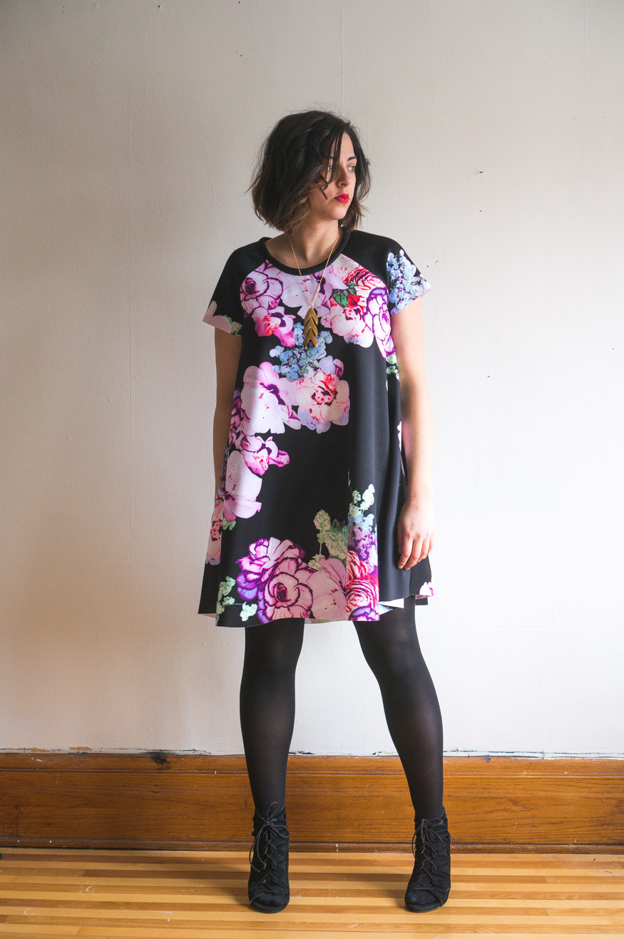 Ebony Tee pattern //Raglan sleeve swing dress pattern in scuba knit // Closet Case Patterns